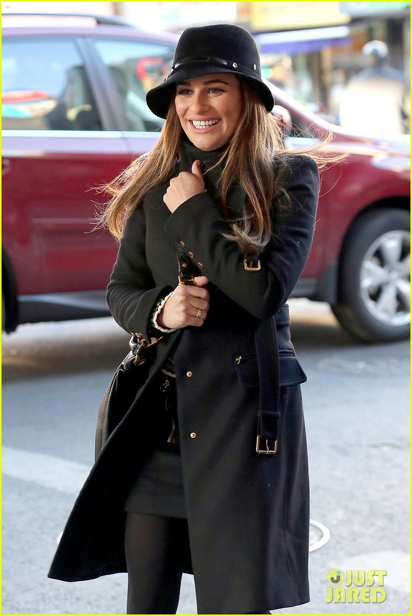 lea michele switches outfits around glee nyc 19