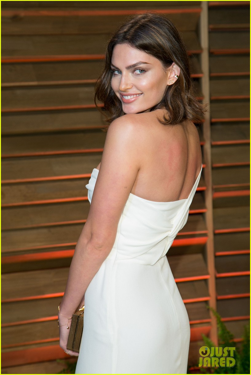 alyssa miller crystal renn vanity fair oscar party 2014 09