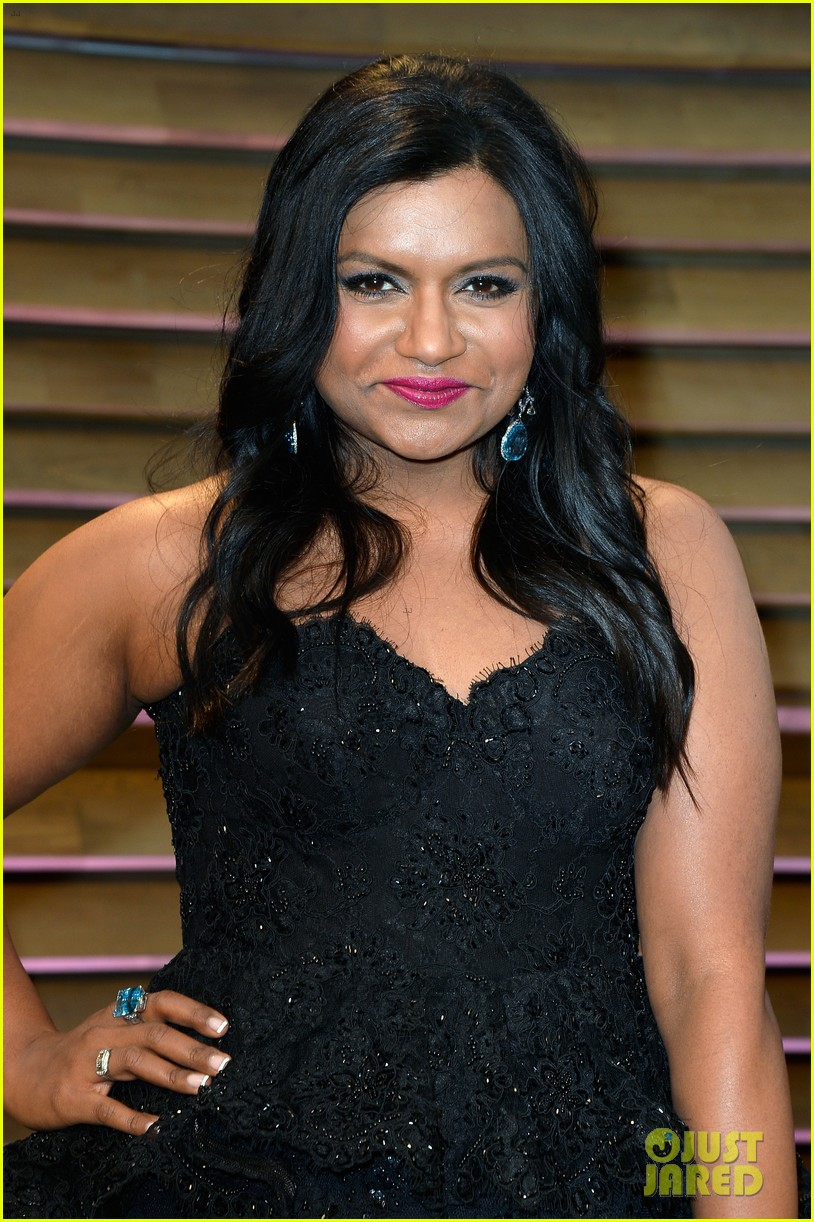 mindy kaling sparkles at vanity fair oscars party 2014 053064202