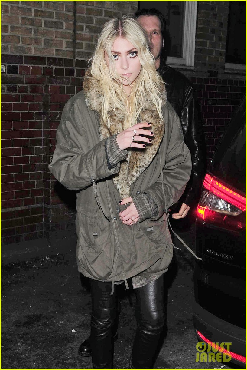 taylor momsen still disturbed by tampon string photos 13