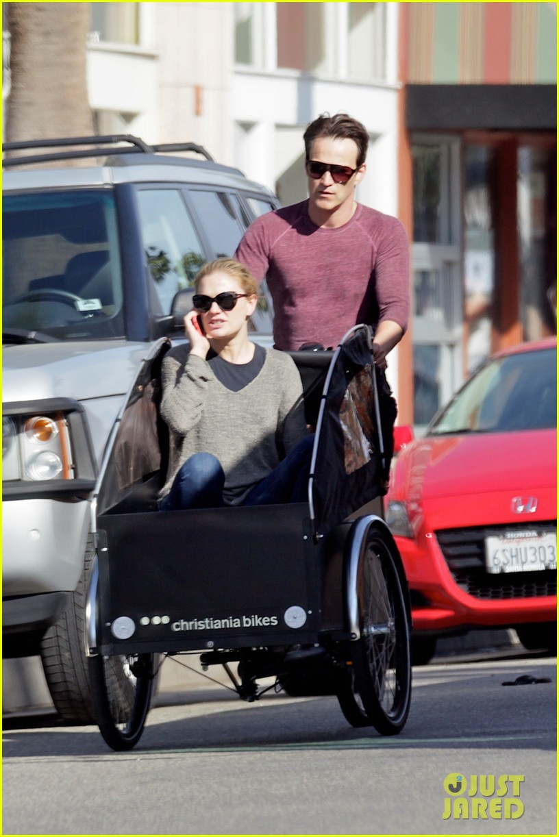 stephen moyer is quite the chauffeur peddles anna paquin in their twins bike carrier 03