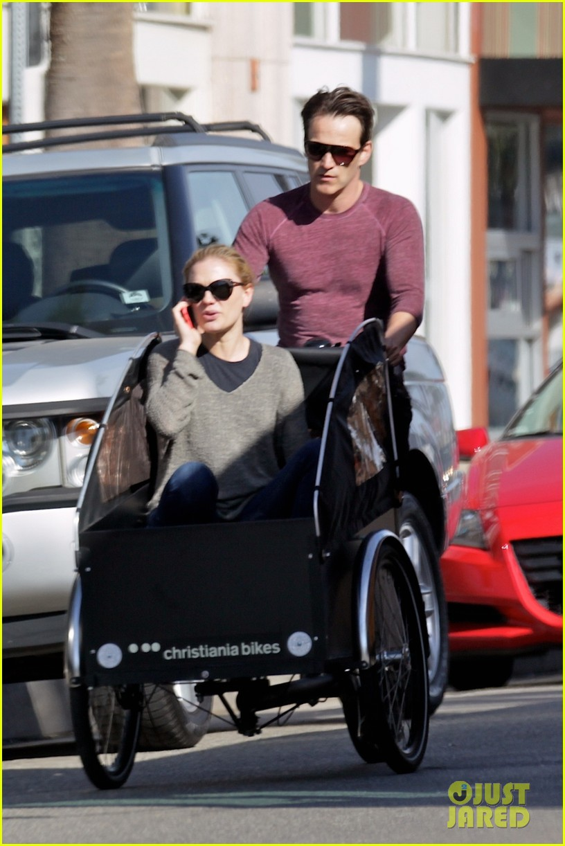stephen moyer is quite the chauffeur peddles anna paquin in their twins bike carrier 053076098