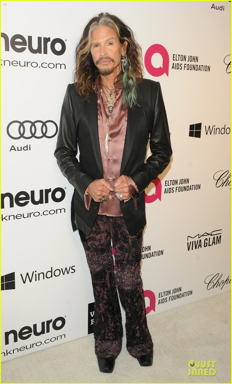 robert de niro steven tyler have contrasting styles at elton john oscars party 2014 033065070