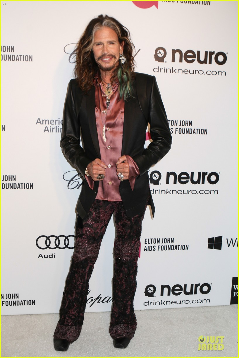 robert de niro steven tyler have contrasting styles at elton john oscars party 2014 10