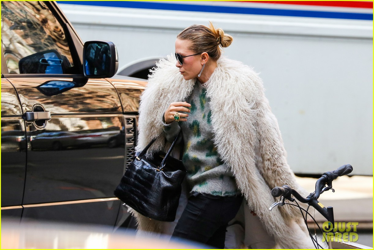 mary kate olsen french fiance french food 093072649