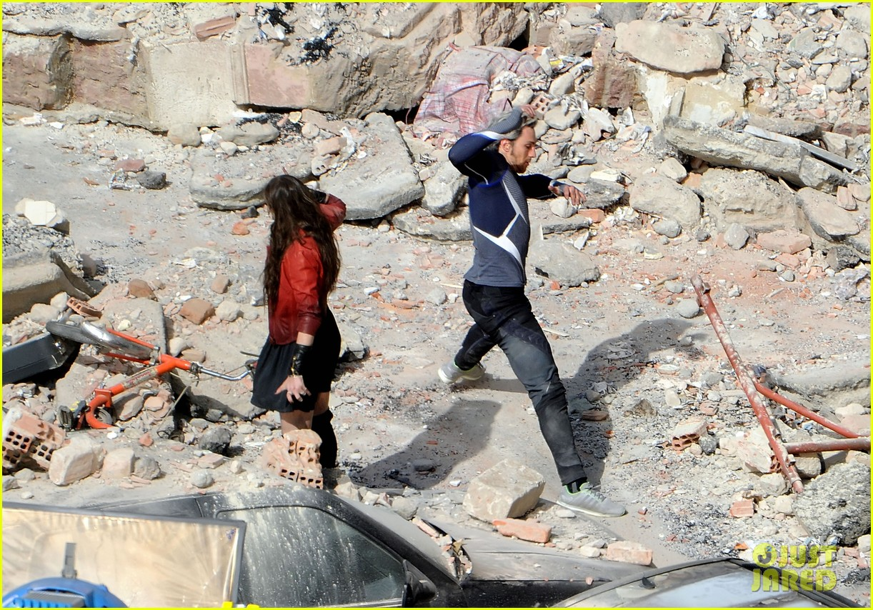 elizabeth olsen aaron taylor johnson get touched up avengers 203079061