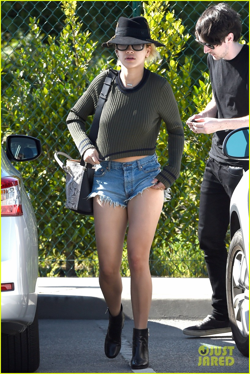 rita oras daisy dukes show off so much skin 10