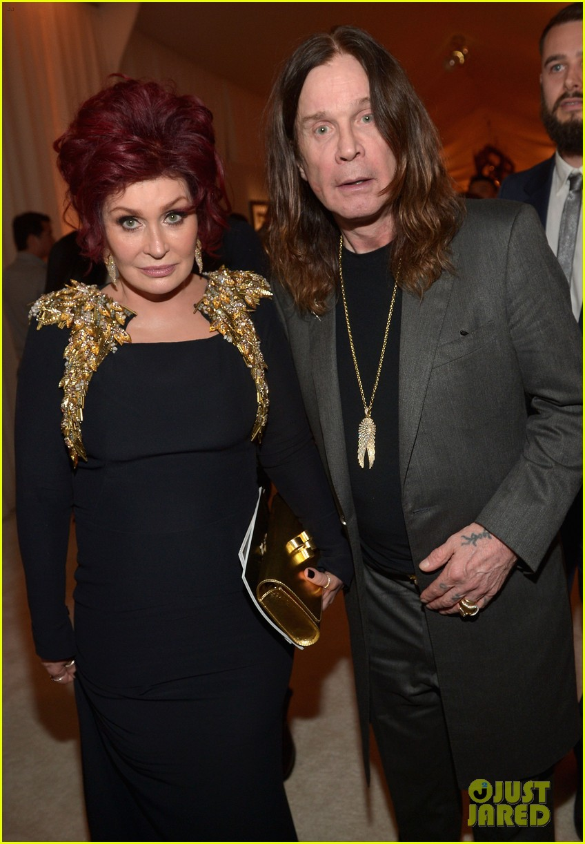 kelly osbourne elton john oscars party 2014 with mom dad 02
