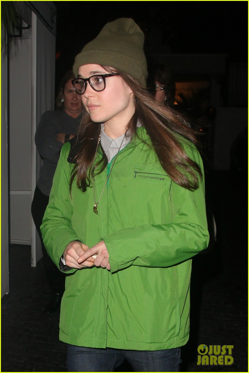 ellen page spike jonze is in love with his phone 053065722