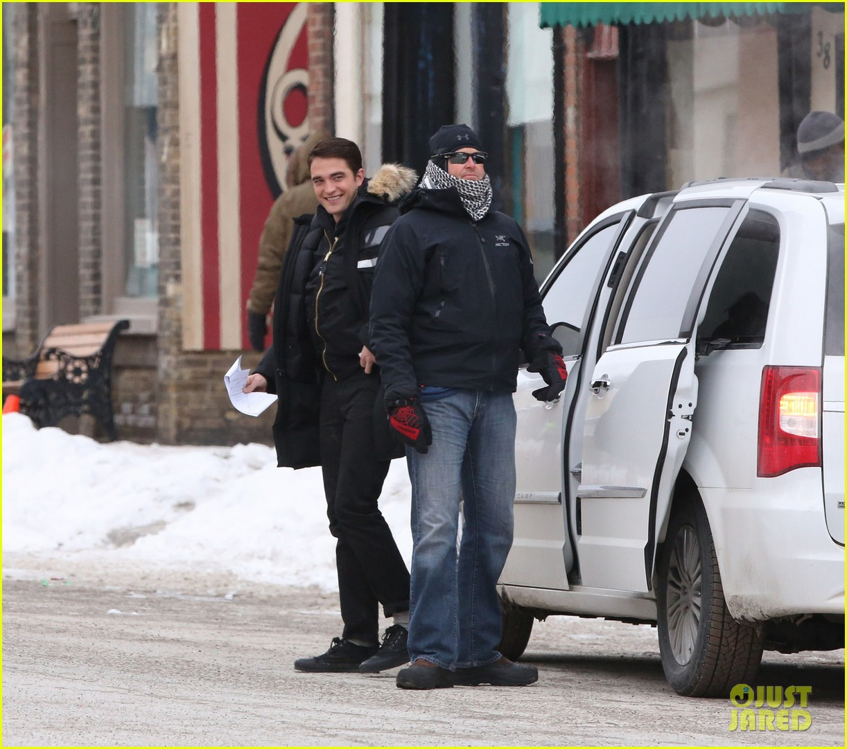 robert pattinson dane dehaan continue filming life in super cold canada 05