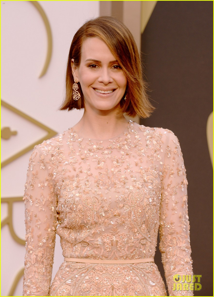 12 years a slaves sarah paulson oscars 2014 red carpet 02