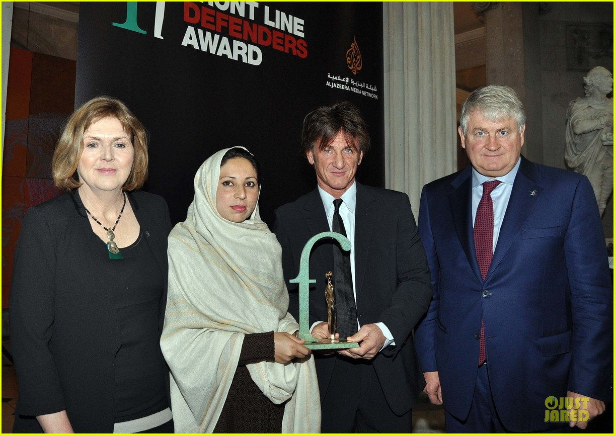 sean penn give special honor to noorzia faridi in dublin 10