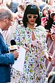 katy perry excites australian fans with her colorful spirit 07
