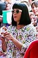katy perry excites australian fans with her colorful spirit 16