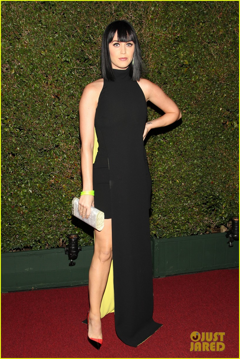 katy perry keeps it simple in black at moca gala 2014 053081371