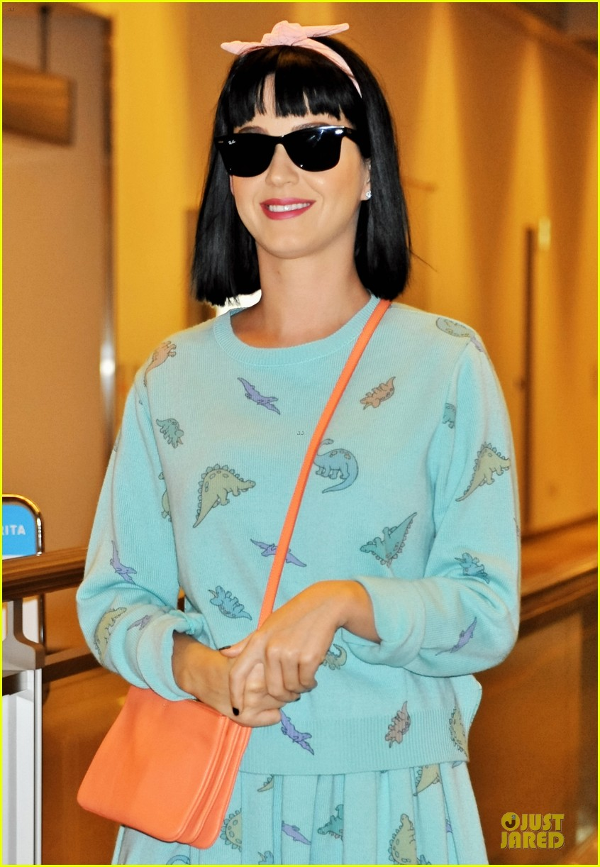 katy perry flashes happy smile after reported john mayer split 023062731