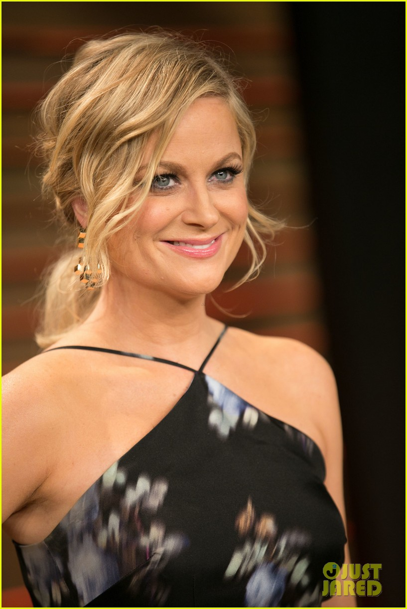 amy poehler vanity fair oscars party 2014 01