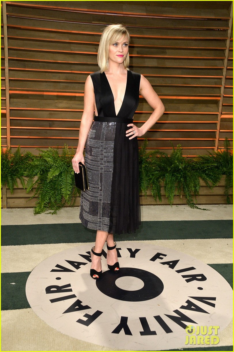 reese witherspoon vanity fair oscars party 2014 04