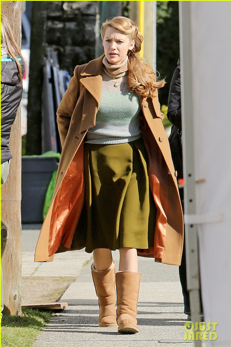 ryan reynolds visits wife blake lively age of adaline 01