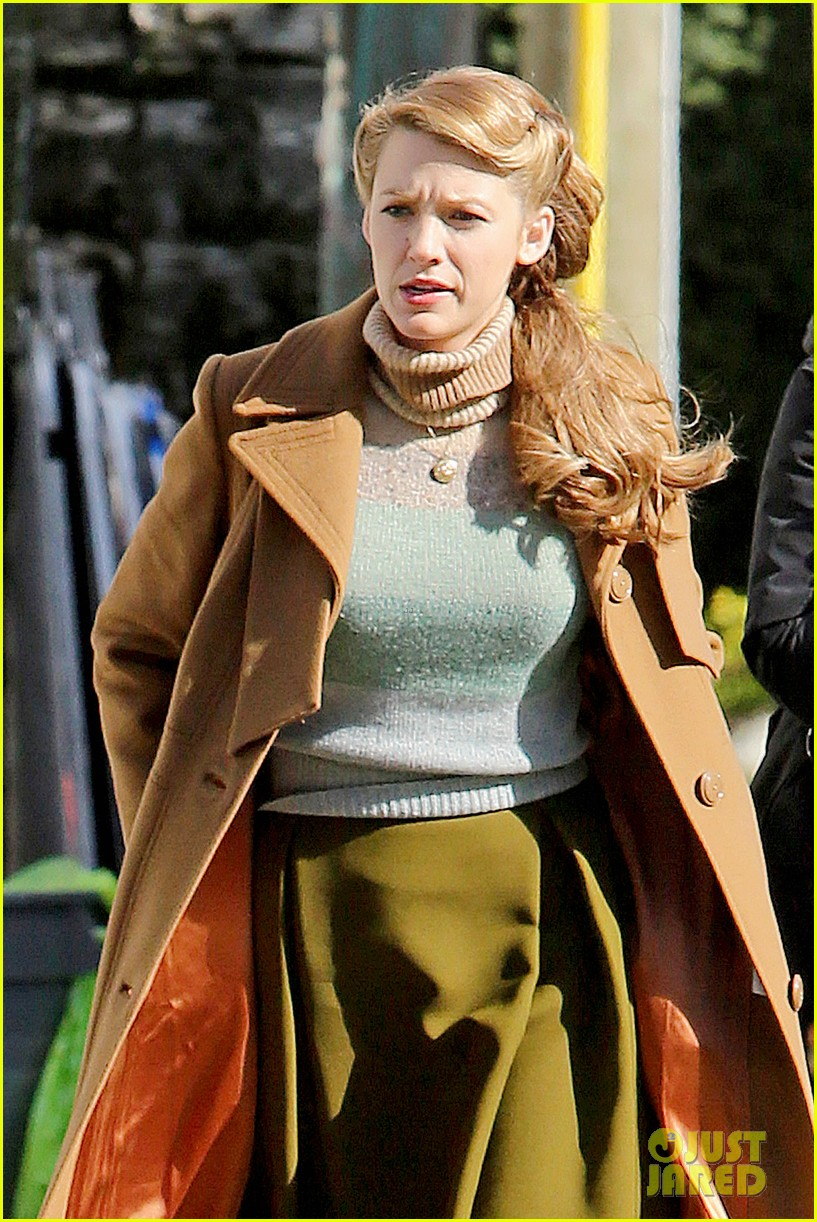 ryan reynolds visits wife blake lively age of adaline 193073617