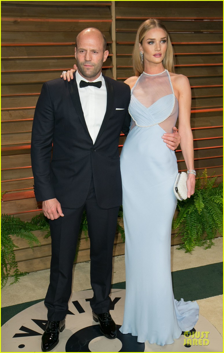 rosie huntington whiteley sheers it up at vanity fair oscar party 2014 with jason statham 05
