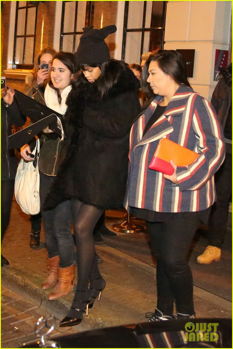 rihanna drake spotted on dinner date in amsterdam 05
