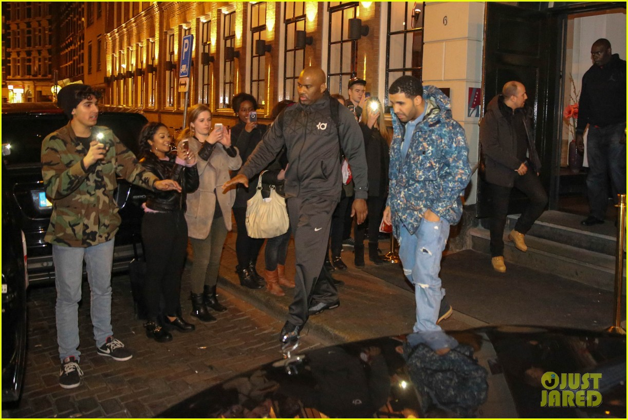 rihanna drake spotted on dinner date in amsterdam 20