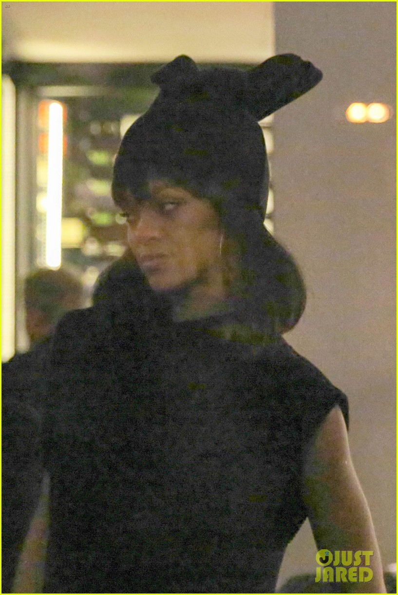 rihanna drake spotted on dinner date in amsterdam 253067655