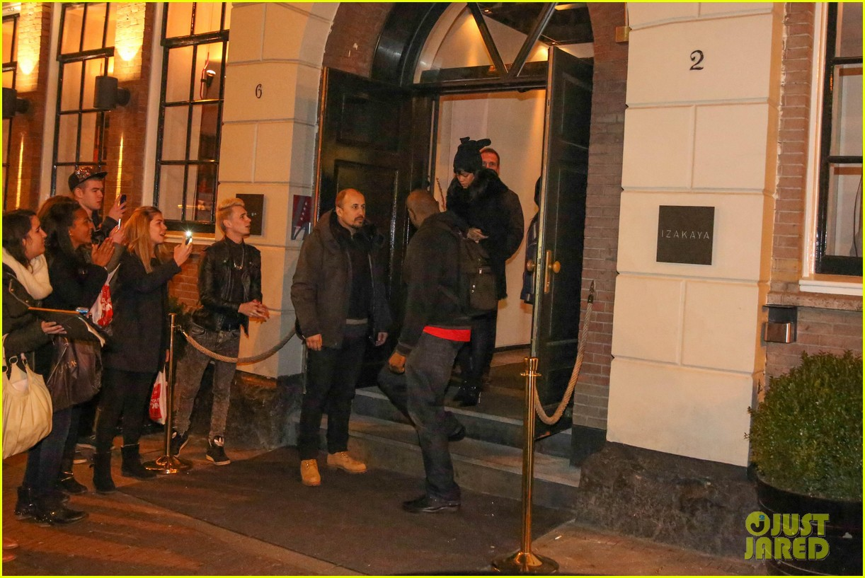 rihanna drake spotted on dinner date in amsterdam 28