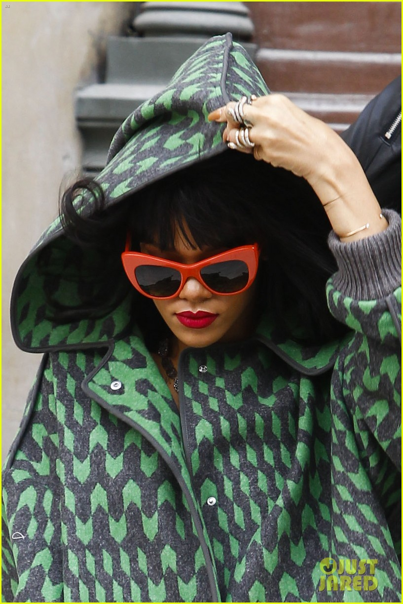 rihanna continues fashion week fun in paris 04