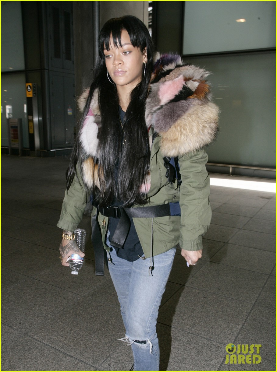 rihanna flies to london after using teen mom 03