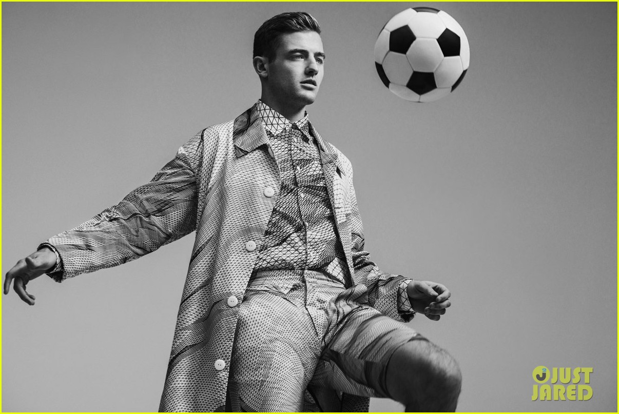 robbie rogers flaunt april 2014 feature 01