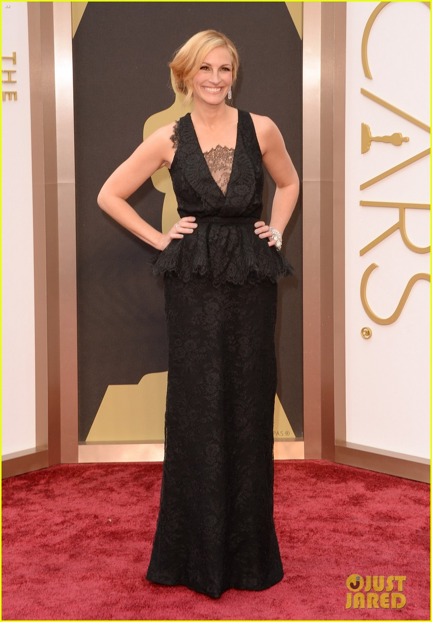 julia roberts oscars 2014 red carpet 053063906