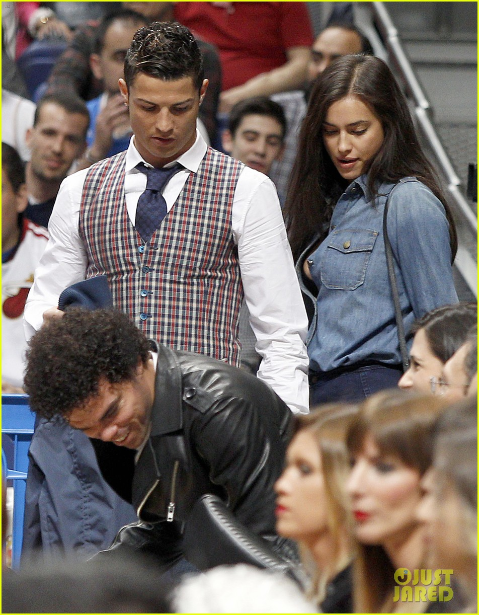 cristiano ronaldo irina shayk courtside couple 05