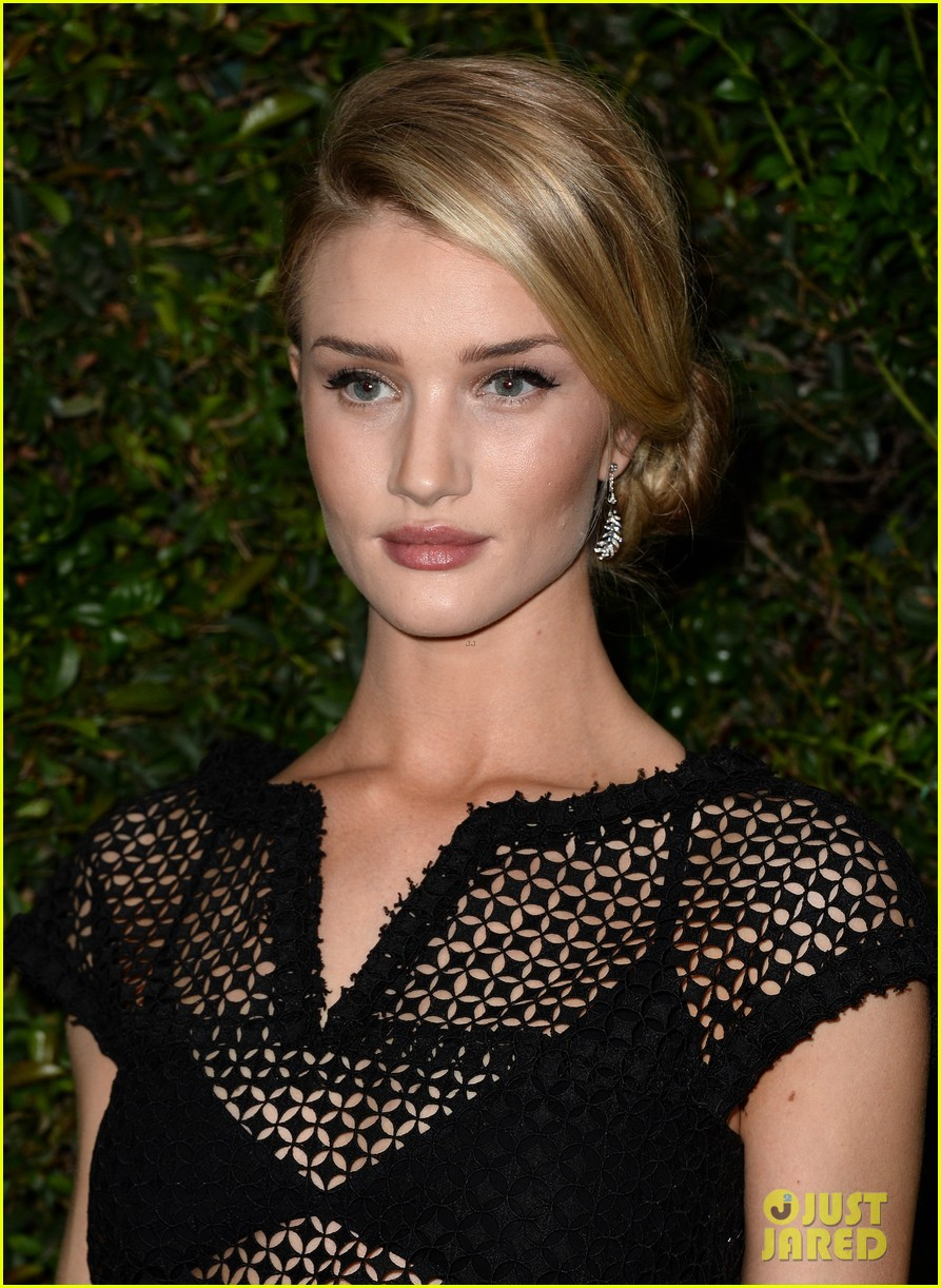 rosie huntington whiteley sienna miller chanel charles finch pre oscars dinner 083063557