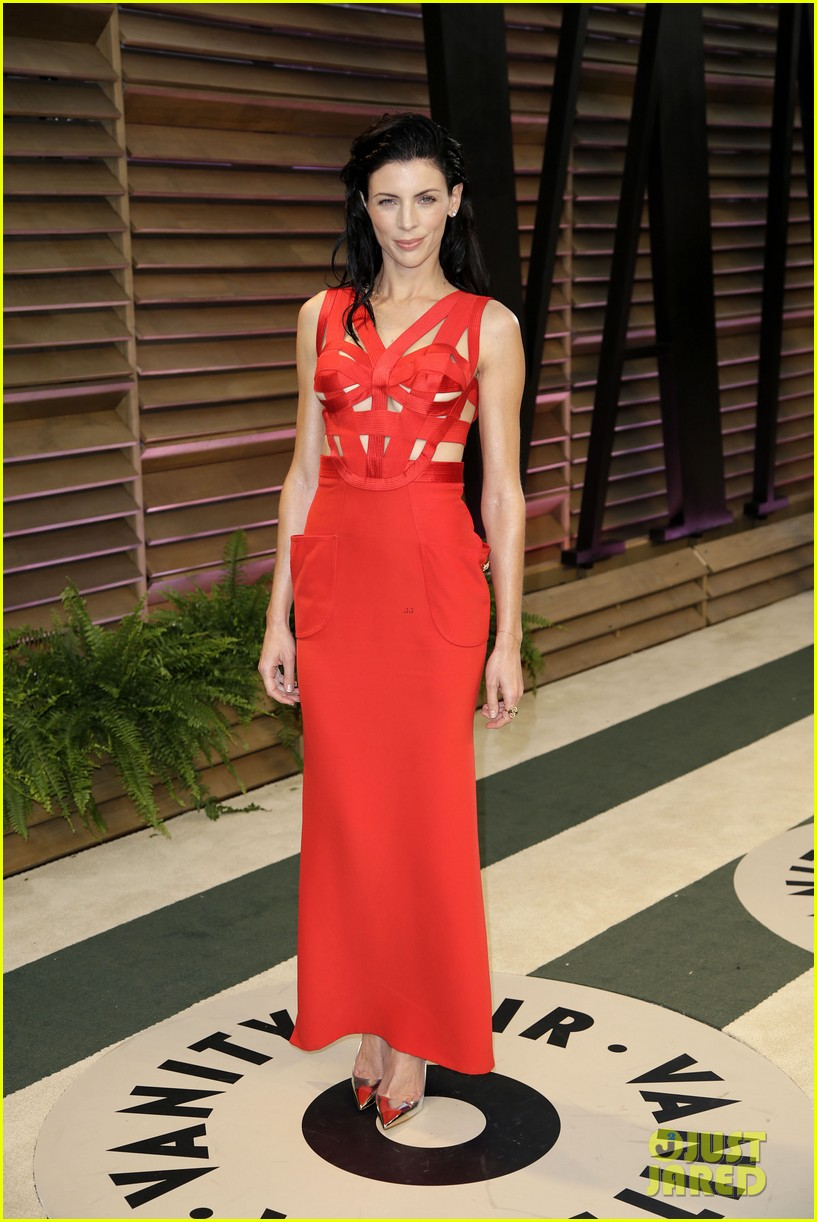 liberty ross vanity fair oscars party with boyfriend jimmy iovine 09