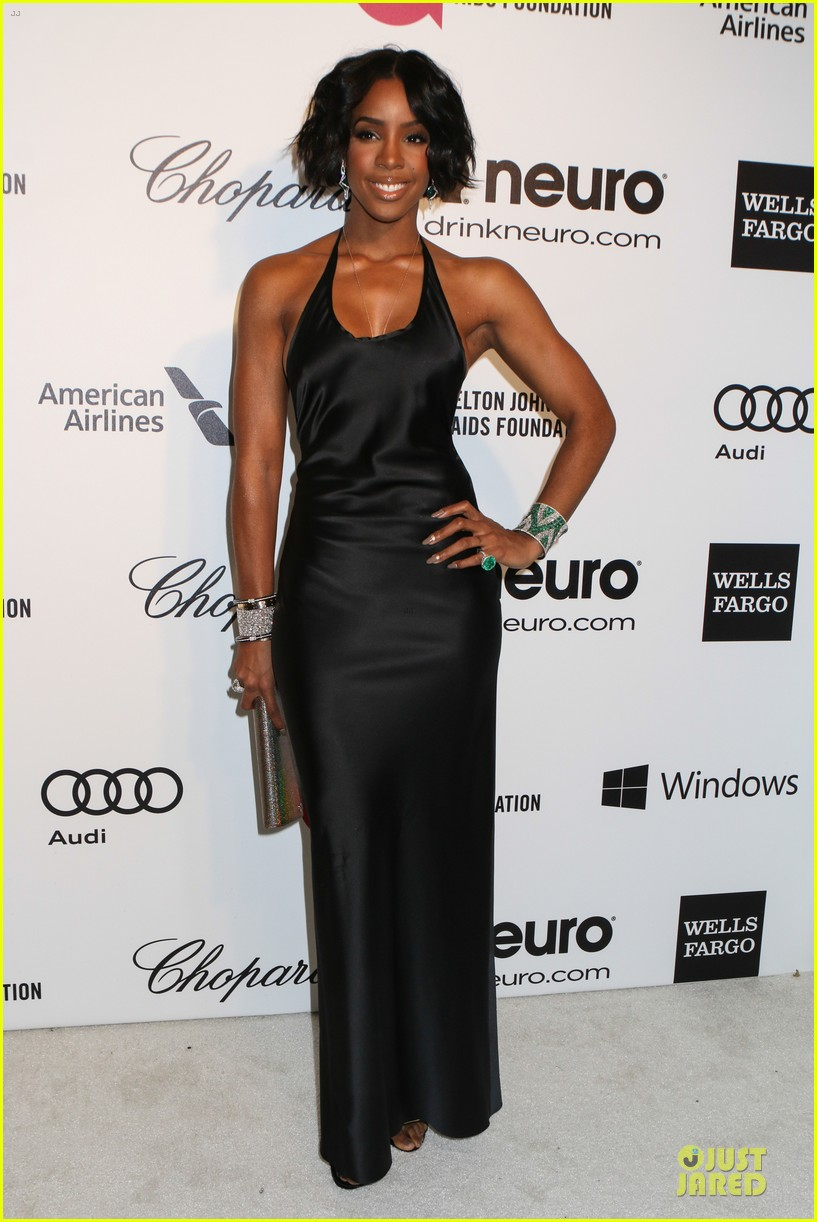 kelly rowland skylar grey heat up elton john oscars party with revealing dresses 013065008