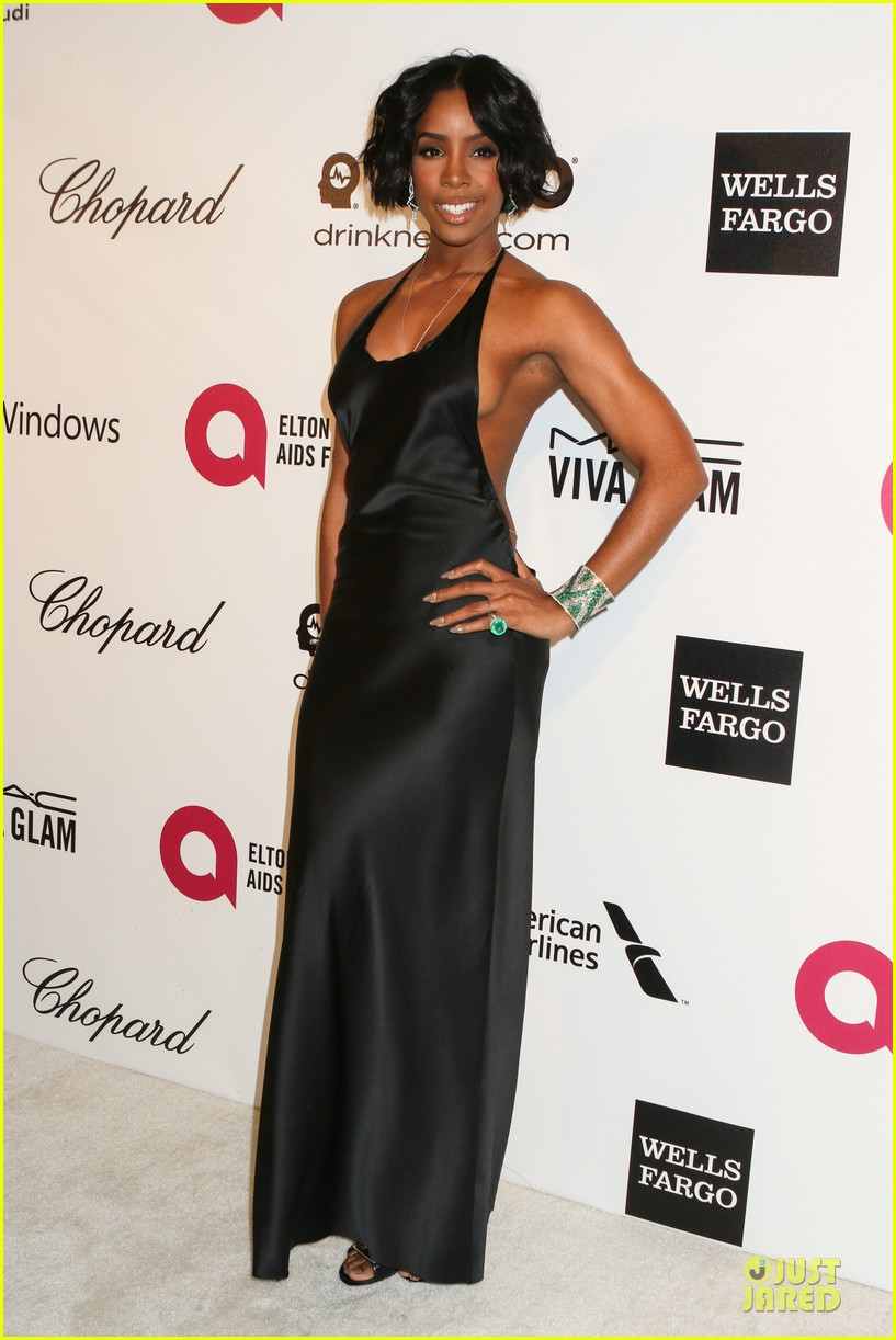 kelly rowland skylar grey heat up elton john oscars party with revealing dresses 09