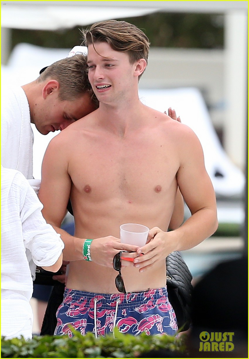 patrick schwarzenegger six pack abs miami spring break 13