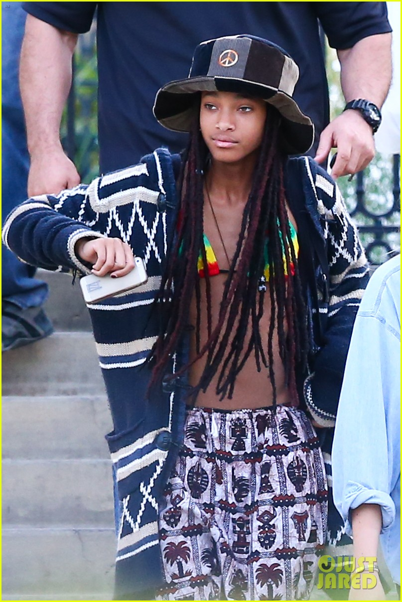 willow smith wears bikini top for sushi dinner 063069268