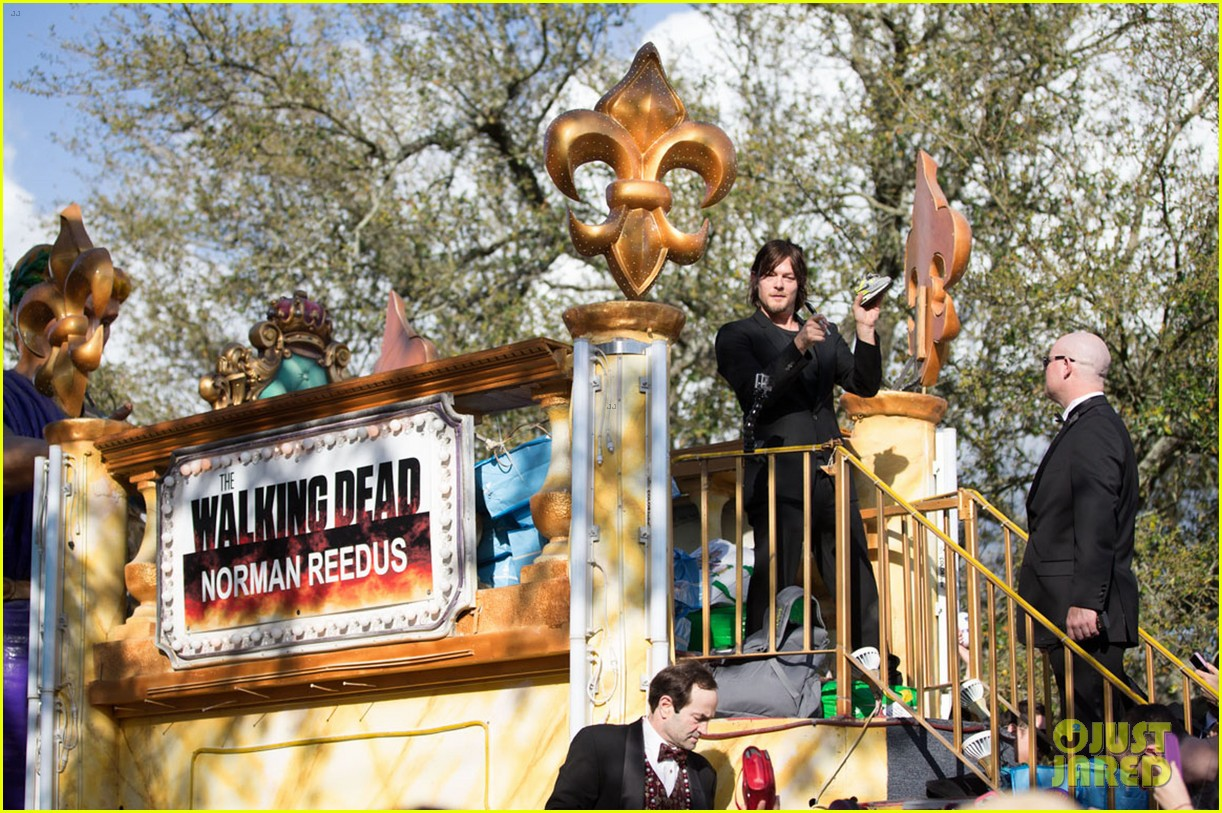 ian somerhalder norman reedus throw mardi gras beads in new orleans 203063304