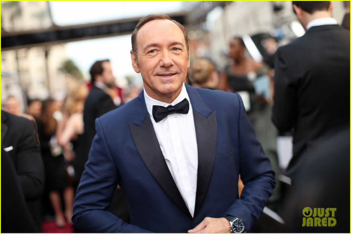kevin spacey oscars 2014 red carpet 013064070