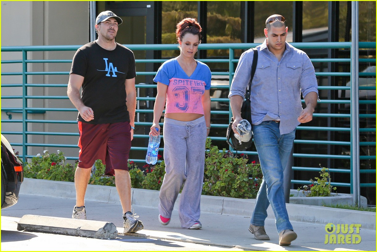 britney spears boyfriend david lucado sweat it out together 093070769