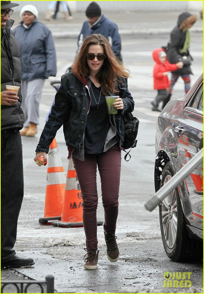 kristen stewart spotted on still alice set in new york city 013064883