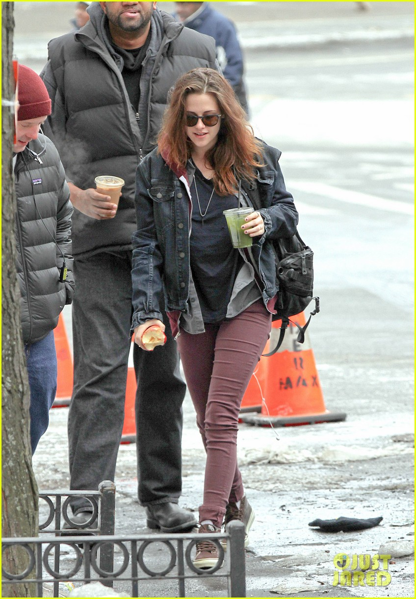 kristen stewart spotted on still alice set in new york city 043064886