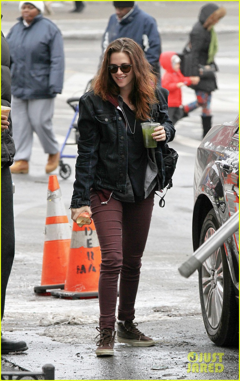 kristen stewart spotted on still alice set in new york city 053064887