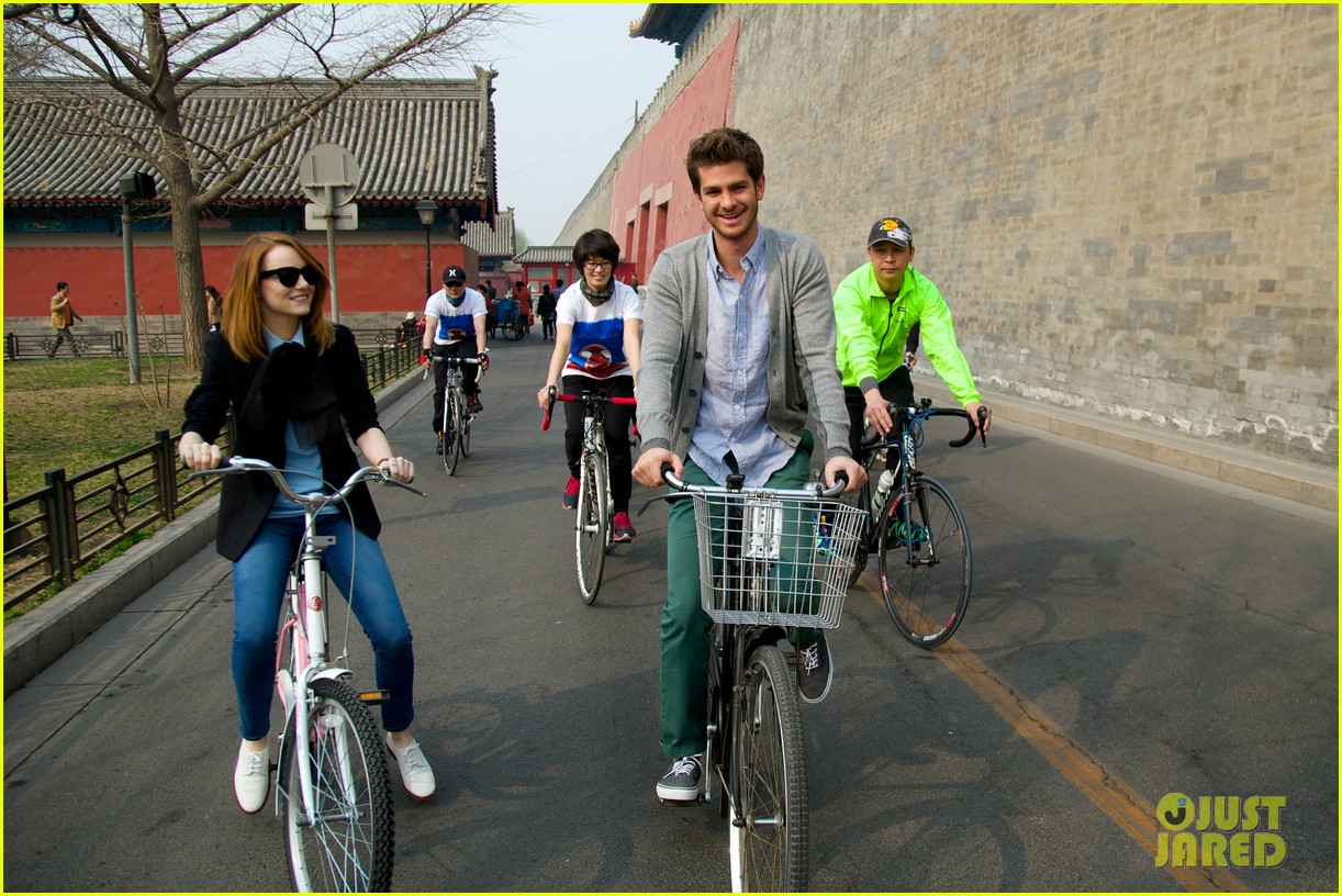 emma stone andrew garfield keep touring asia continue being the cutest couple 023078914