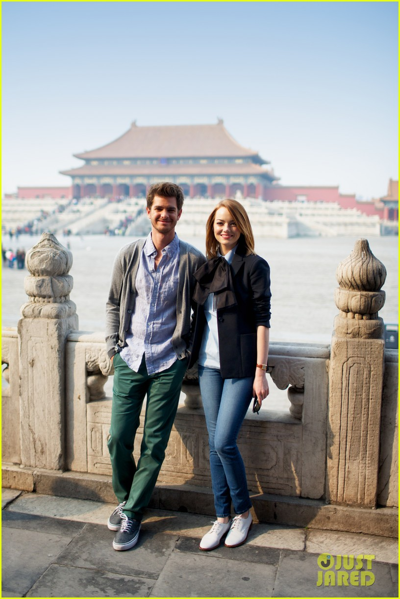 emma stone andrew garfield keep touring asia continue being the cutest couple 06