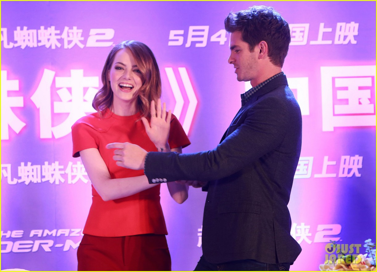 emma stone andrew garfield jamie foxx super trio amazing spider man 2 press conference 13