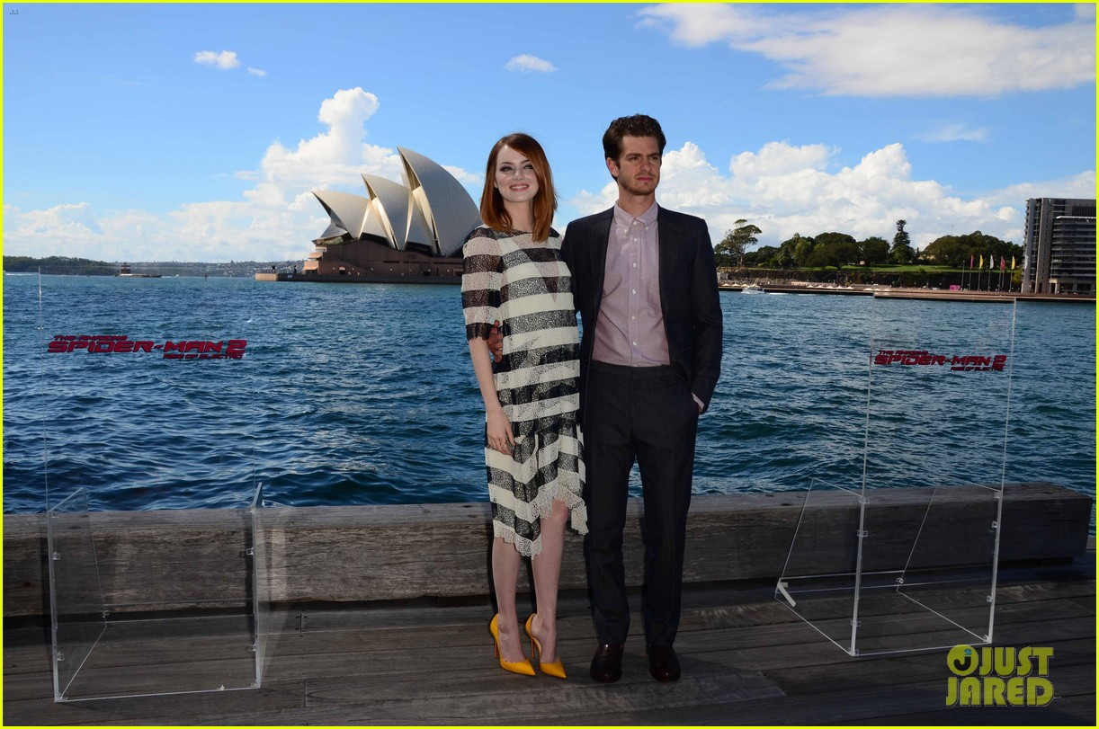 emma stone andrew garfield spider man sydney photo call 08